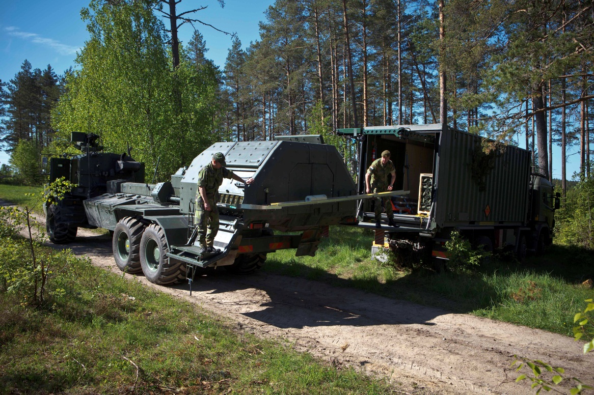 Archer self propelled artillery gun and resupply vehicle