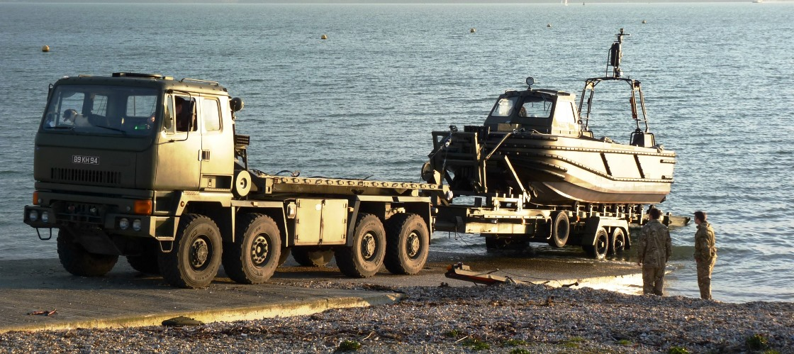 Combat Support Boat Trailer 02